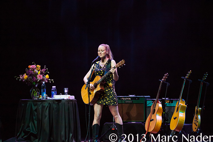 Jewel performing on her greatest hits tour at the motor for Motor city casino address