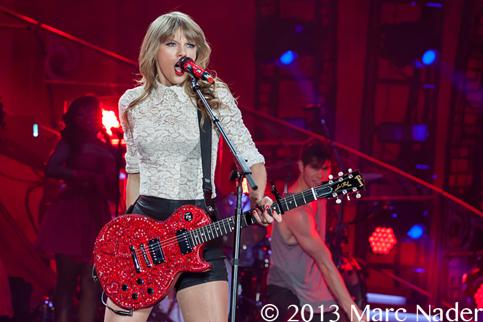 Taylor Swift Performing On Her Red Tour At Ford Field In Detroit Mi May 4th 2013 Photo By Marc Nader 0517 See The Muzic