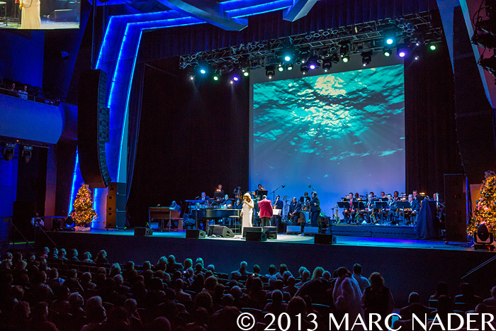 Aretha Franklin Performing At The Motor City Casino