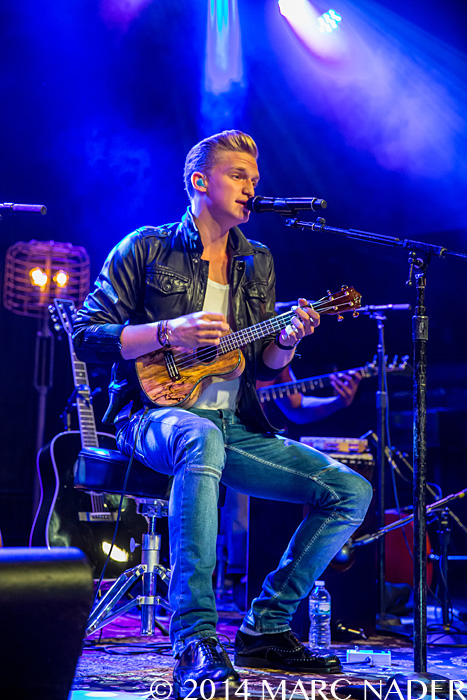 Cody Simpson performing on his Acoustic Sessions Tour at ...