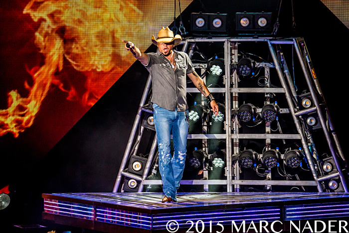 Jason Aldean performing on his 2015 Burn It Down Tour at DTE Energy Music Theatre in Clarkston, MI on September 18th 2015 Photo by Marc Nader